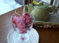 Strawberry Ice with Kiwi Topping