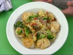 Scallop Pasta with Fresh Vegetables; Cooking Outside the Box with Chef John Marks