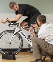 UW Health Sports Rehabilitation Direct Access: Physical therapist with a cyclist