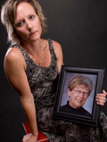 Jody Schwerdtfeger with a photo of her mom