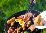 Food on the grill; Tips for keeping food safe in hot weather