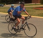 Cancer patient Dan Lester rides into UW Hospital