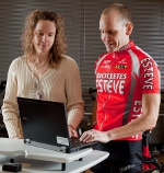 UW Sports Rehabilitation expert provides input in a Cycling Clinic session