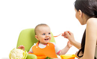 American Family Children's Hospital Pediatric Nutrition: Mom and child