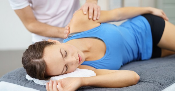 Massage therapist and patient: UW Health massage therapists offer tips for treating and preventing muscle knots.