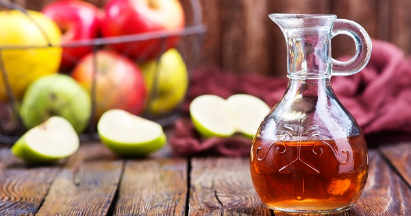 Apple cider vinegar is believed to offer health benefits, but UW Health registered dietitian Sarah Schumacher explains the evidence behind the claims