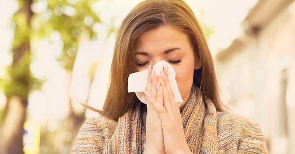 Woman sneezing from allergies: UW Health allergist Dr. Mark Moss offers tips to help reduce the symptoms of allergies.