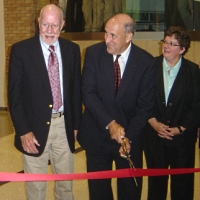 Gov. Jim Doyle at the Wisconsin Institutes for Medical Research opening
