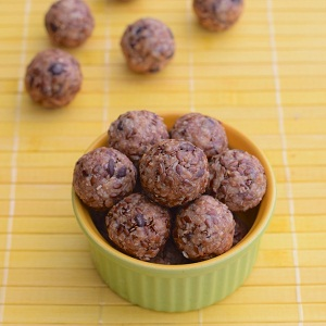 UW Health at The American Center's Learning Kitchen offers this recipe for Energy Ball Bites