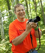 Chuck serves as volunteer photographer at events that promote organ donation.