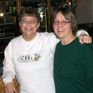 Ellen Blum with her half-sister and donor, Amanda Barclay